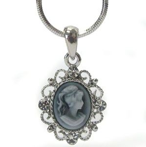 Jewelry - NEW cameo pendant necklace